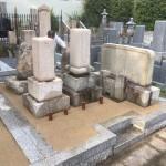 郡家墓地にて雑草対策の固まる土