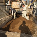 神戸春日野墓地で再貸付墓地の土入れ替え工事です。