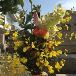 中勝寺で納骨式の立会い。仏花がとてもキレイでした