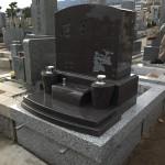石屋墓園にて洋型墓石を建立しました。