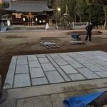 ゆずるは神社さん、石の歩道と石板の傾き修理工事