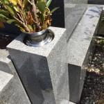 鵯越墓園にてお墓の花立て修理させていただきました