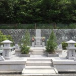 鵯越墓園で大きなお墓を建立しました