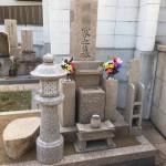中勝寺墓地にて万成石の灯篭、新設