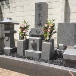 庵治石中目三重のお墓を建立しました。中勝寺墓地にて