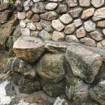 西宮市の高台の住宅地で、石垣の補修工事を行いました。