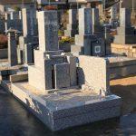 神戸市の石屋墓園に、すべて万成石で作成した神戸型の墓石が完成しました。
