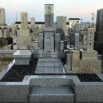 奈良県御所市の共同墓地でお墓のリフォームと建て替え工事を行い、庵治石細目黒口極上の神戸型のお墓が完成しました。