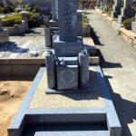 神戸の石屋墓園に庵治石細目極上のオリジナル和型墓石が完成しました。