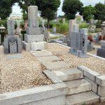 大阪市営服部霊園で墓地のメンテナンス工事。防草工事、クリーニング、納骨室の作成などを行いました。
