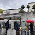 神戸市灘区の徳井墓地で納骨式のお手伝いをいたしました。雨天にはテントを設営してお迎えいたします。