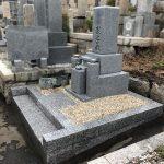神戸市の春日野墓地でお墓の建替え工事。新たに納骨室を作成して、お参りしやすいお墓になりました。