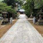 神戸市東灘区の弓弦羽神社の参道の大掛かりな修繕工事をさせていただきました。地盤を強化して敷居を据え直しました。